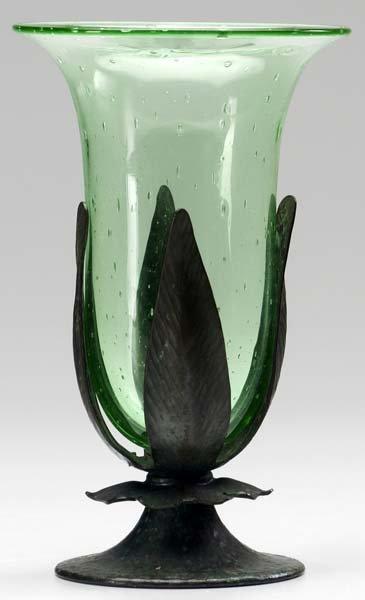 511: ROYCROFT Hammered copper floriform vase