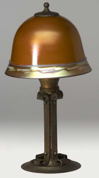 518: ROYCROFT Brass-washed hammered copper table lamp  - 2