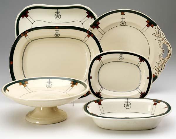 520: ROYCROFT Six seving platters by Buffalo China, des