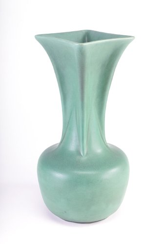 14: TECO Fine and large vase with bulbous base and flar