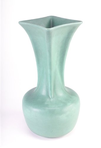 15: TECO Fine and large vase with bulbous base and flar