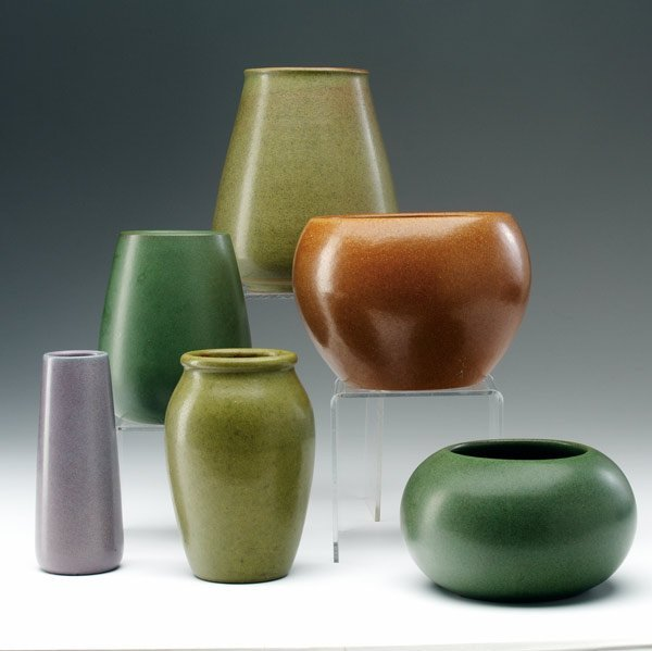 8: MARBLEHEAD Six vases covered in various matte glazes