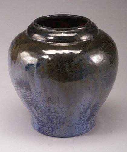 10: Fine and large FULPER bulbous vase covere