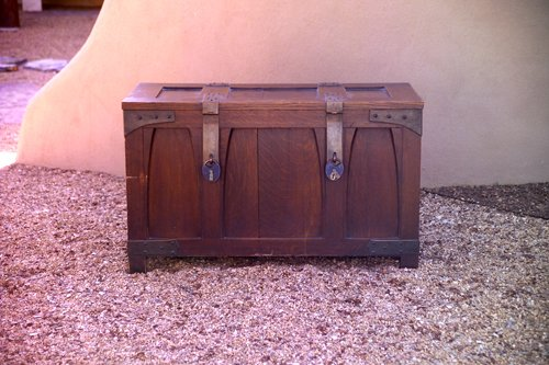 1: GUSTAV STICKLEY Bride's chest with paneled and corbe