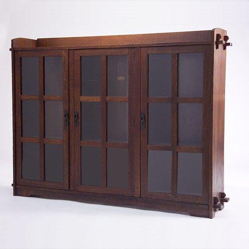 502: LIFETIME Three-door bookcase with gallery top, key