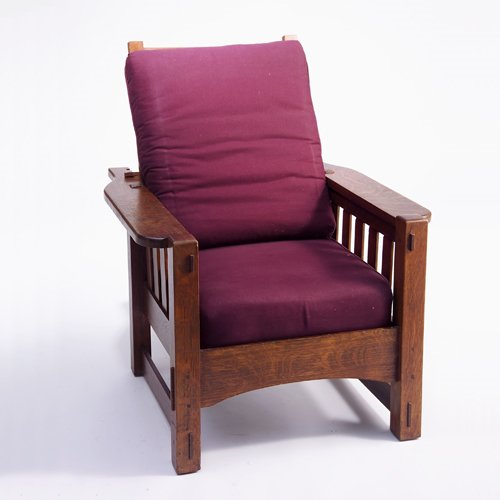 505: HARDEN Morris chair with broad, rounded arms, drop