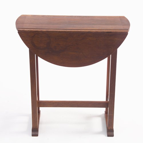 509: STICKLEY BROTHERS Small drop-leaf table with shoe