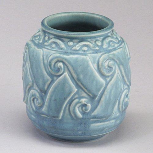 1007: ROOKWOOD Production barrel-shaped vase,