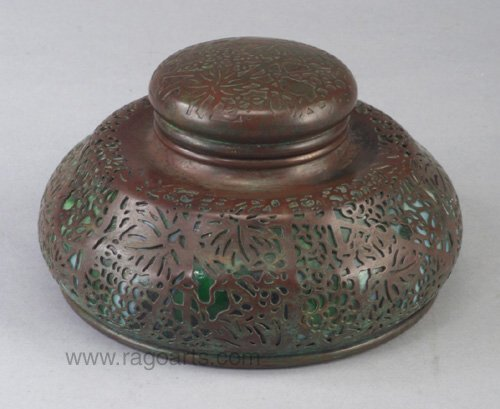 10: Large TIFFANY inkwell in the grapevine pa