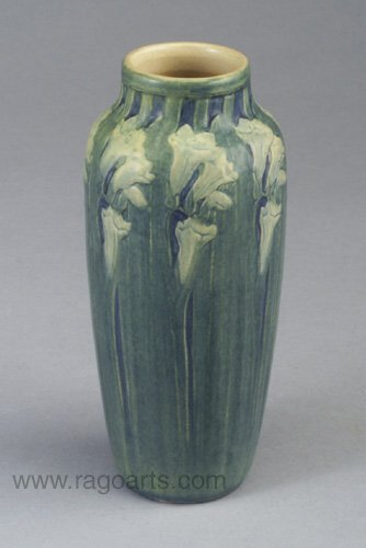 20: Fine NEWCOMB COLLEGE Transitional vase ca