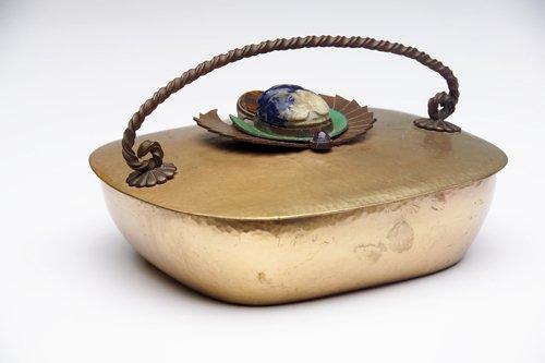 4: MARIE ZIMMERMANN Rectangular covered box in gold-pla