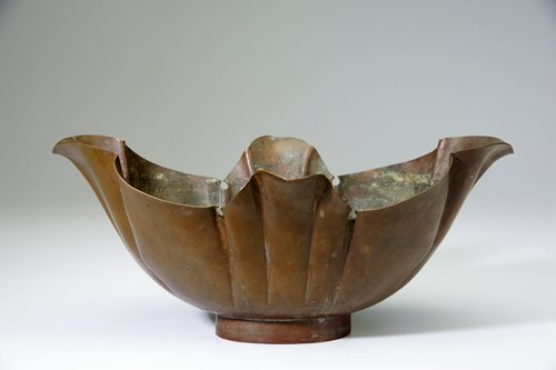 7: MARIE ZIMMERMANN Large, widely flaring ovoid bowl in