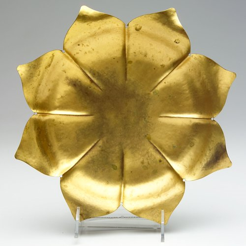 14: MARIE ZIMMERMANN Fluted flower-form dish in gold-pl