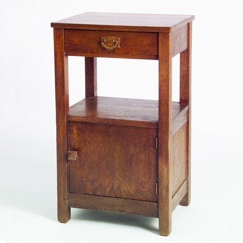 505: GUSTAV STICKLEY Somno cabinet with hammered pull o