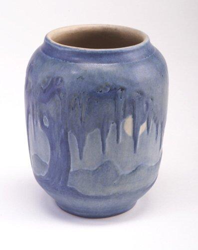 19: NEWCOMB COLLEGE barrel-shaped vase carved