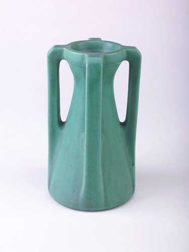 4: TECO Corseted vase with four angular buttressed hand