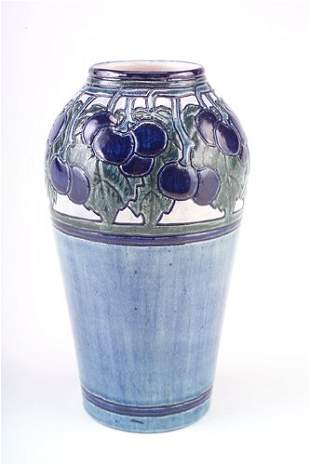 NEWCOMB COLLEGE Fine and early tall, bulbous vase in