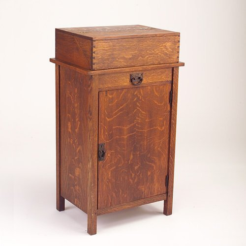 642: GUSTAV STICKLEY Vice cabinet model no. 86 with cop