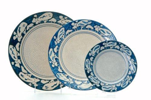 464: DEDHAM Three Crackleware plates in the Snow Tree d