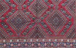 684 PERSIAN SHIRAZ Area rug with repeating diamond med