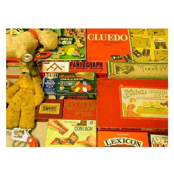782: Toys - Miscellaneous collectors toys, including bo