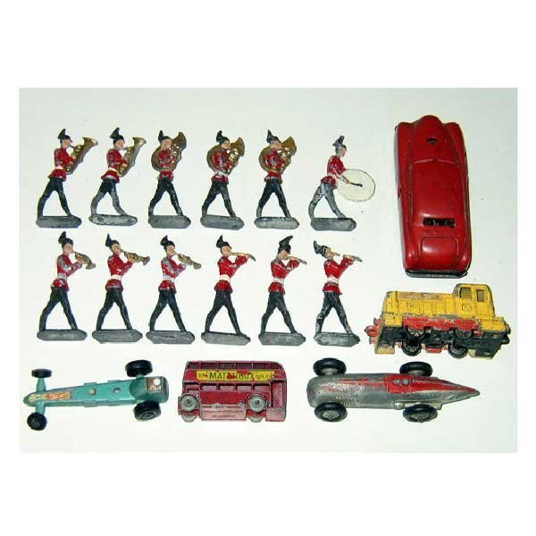 21: Toys - A twelve piece lead army marching band, the
