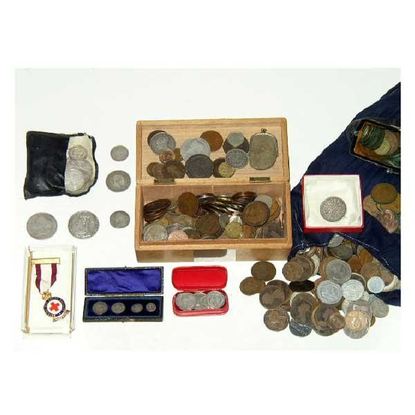 803: Coins - A large quantity of coins, including crown