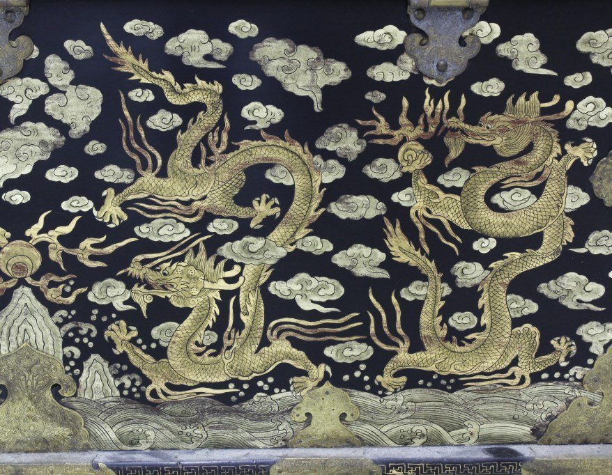 Elaborate & Detailed Antique Chinese Dragon Chest - 7