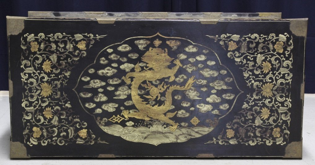 Elaborate & Detailed Antique Chinese Dragon Chest - 9