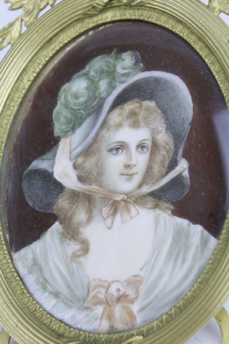 Antique French Court Lady Portrait in Bronze Frame - 3