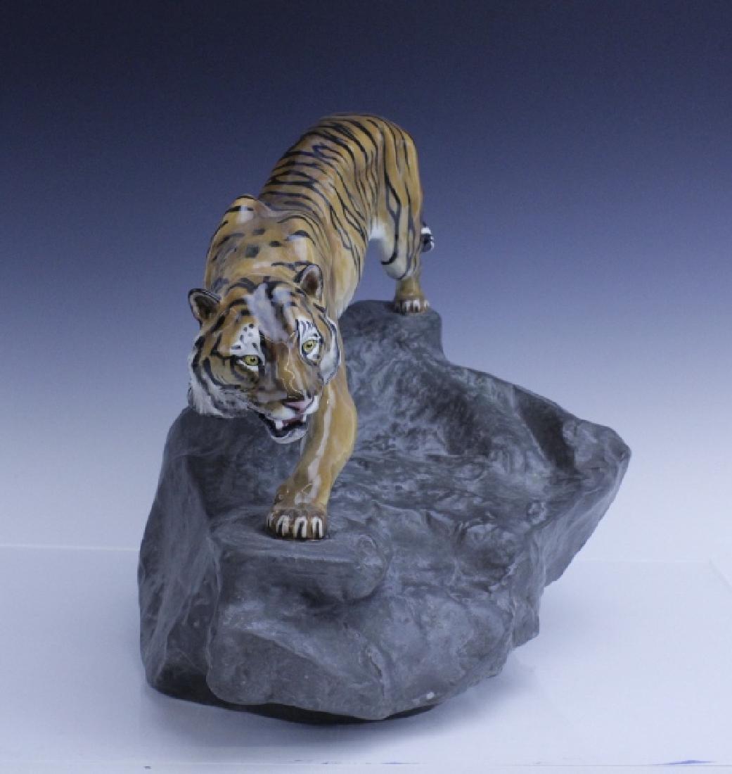 Large Royal Doulton Tiger on Rock Sculpture HN2639 - 2