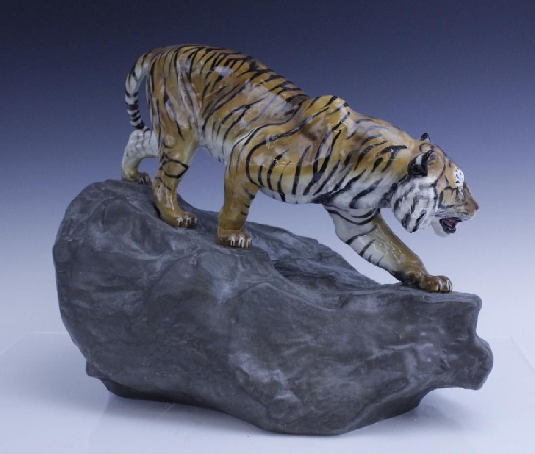 Large Royal Doulton Tiger on Rock Sculpture HN2639 - 3