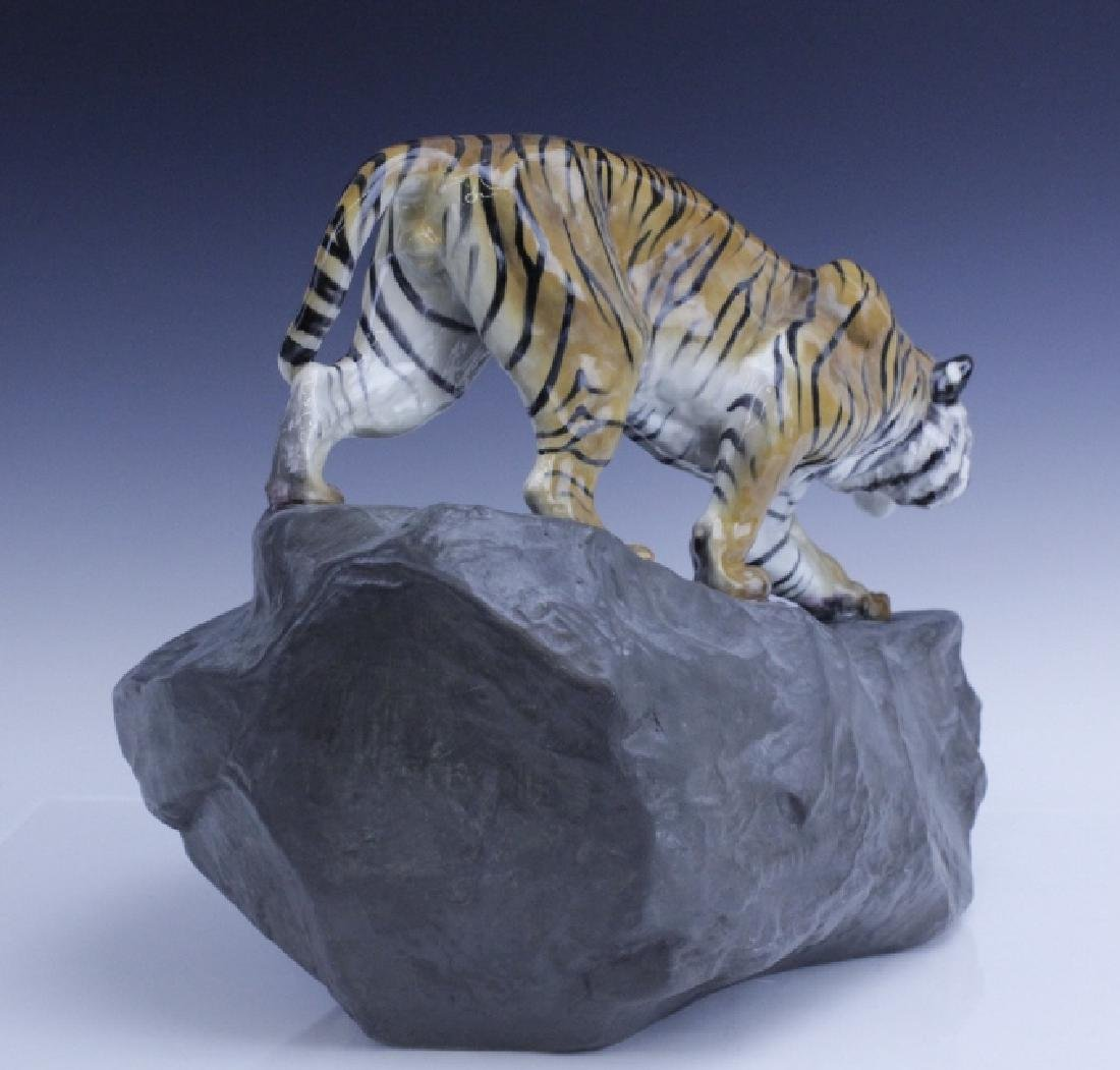 Large Royal Doulton Tiger on Rock Sculpture HN2639 - 4