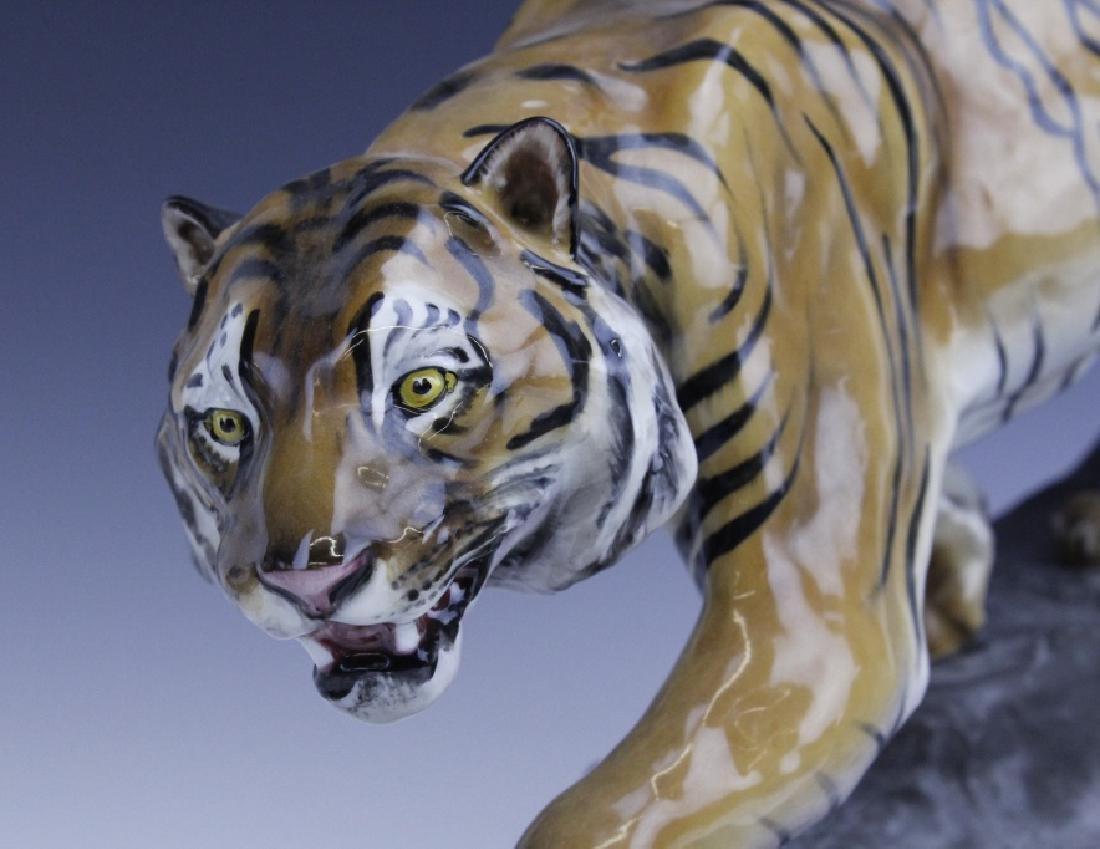 Large Royal Doulton Tiger on Rock Sculpture HN2639 - 5