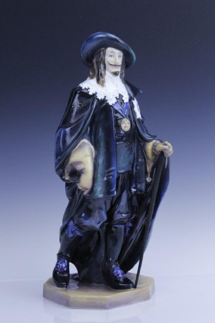 Large Royal Doulton KING CHARLES Figurine HN2084