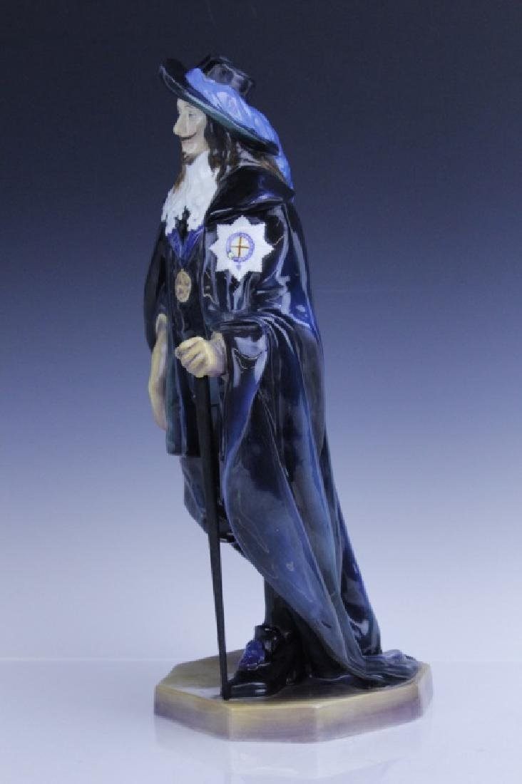 Large Royal Doulton KING CHARLES Figurine HN2084 - 9