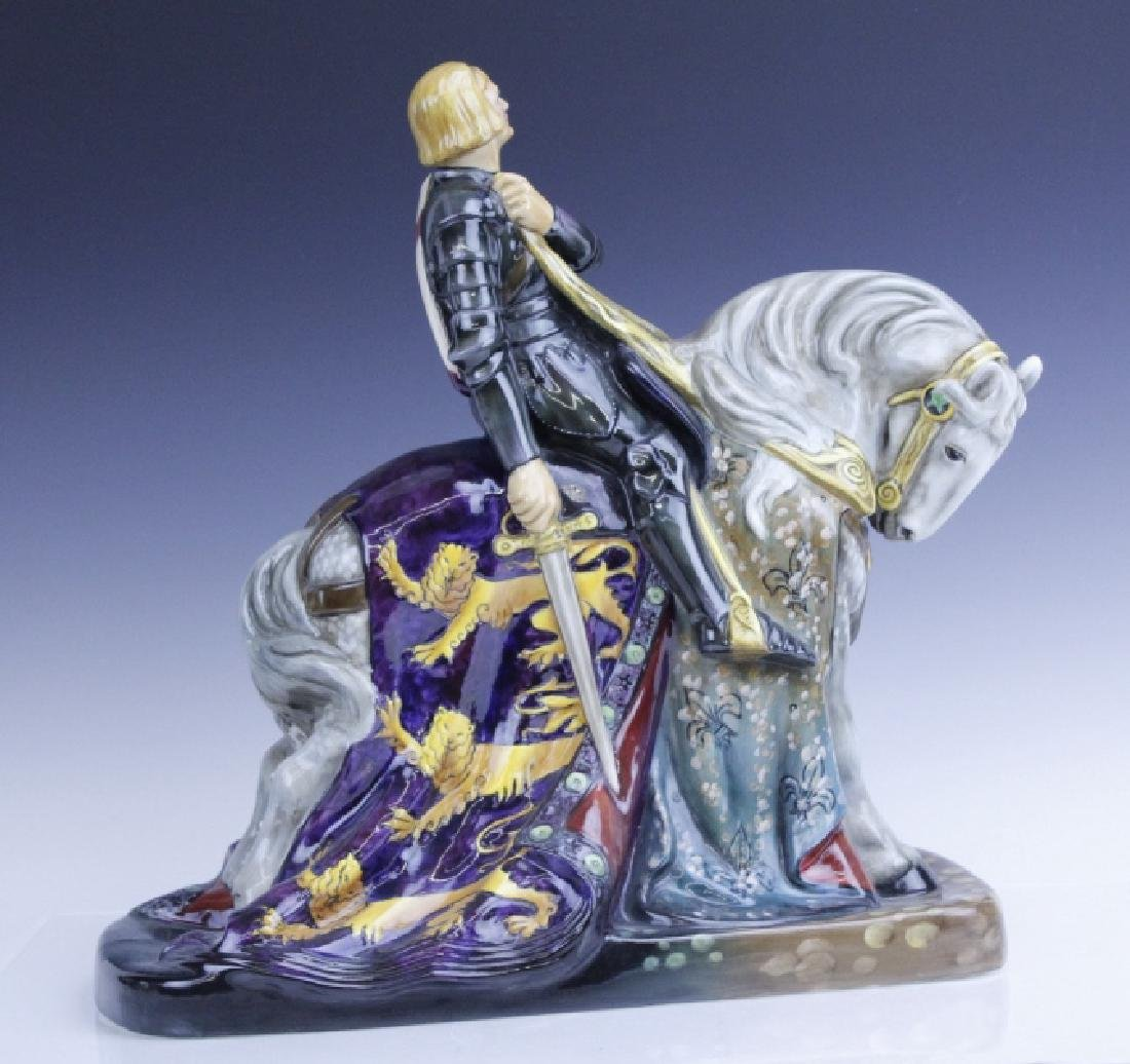 Large Royal Doulton ST GEORGE HN2067 Figurine - 3