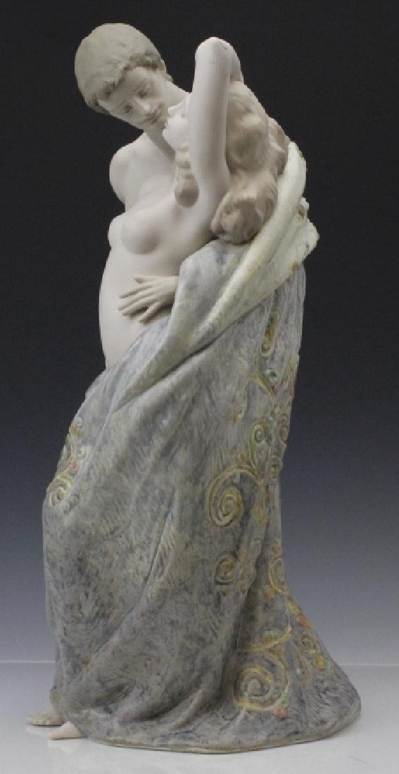 Large LLADRO Passionate Lovers Female Nude Statue - 3