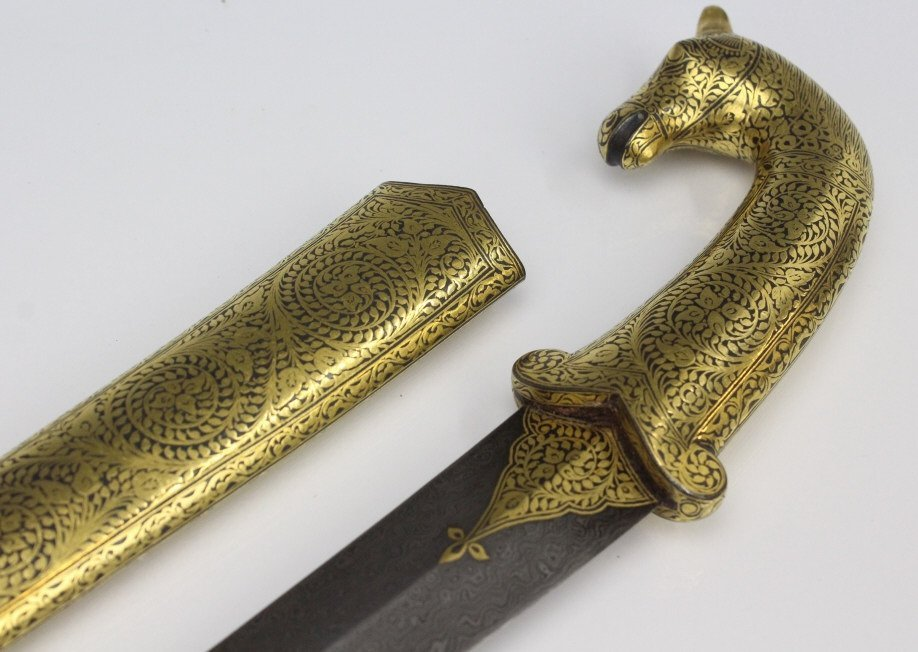 Fine 19th Century Mughal Gold Inlaid Damascened Dagger - 4