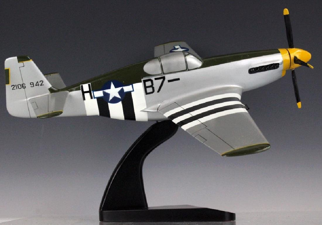 P-51 Mustang North American WWII Aircraft Model