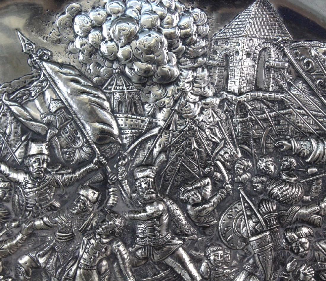 LARGE European 800 Silver Battle Scene Platter 1200g. - 4