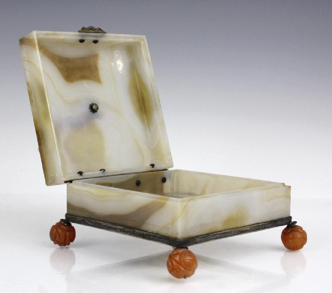Edward Farmer Silver Banded Agate Footed Rooster Box - 6