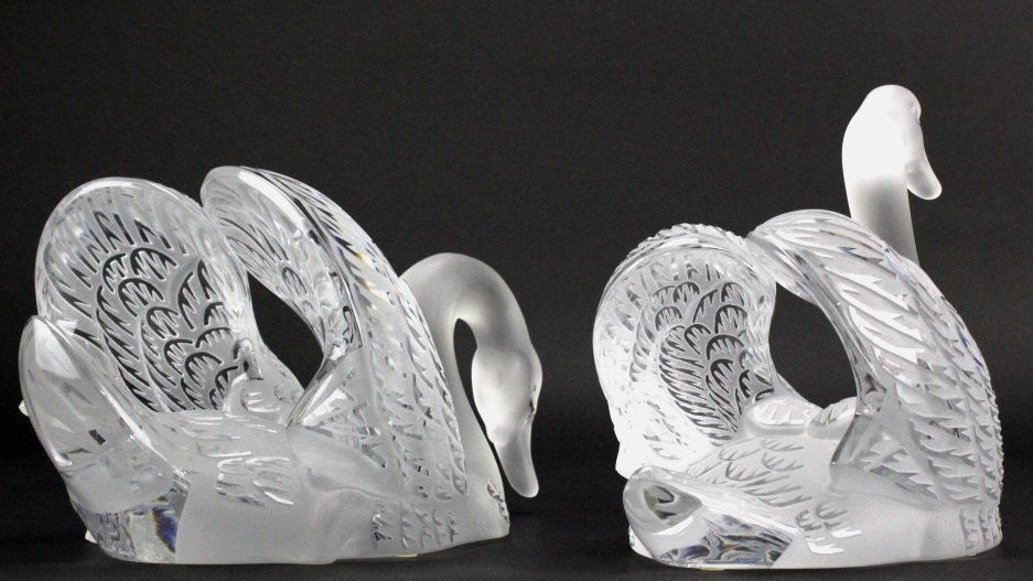PAIR of Lalique Crystal Art Glass Swans w/ Mirror - 9