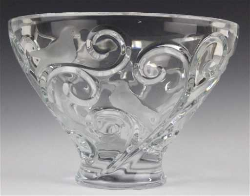 Large Lalique French Art Glass Verone Bird Bowl
