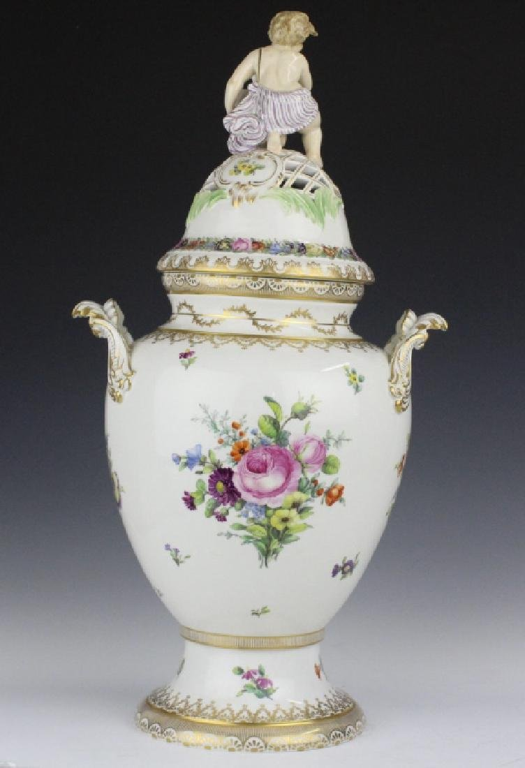 Royal Copenhagen Juliane Marie Porcelian Urn Vase - 8