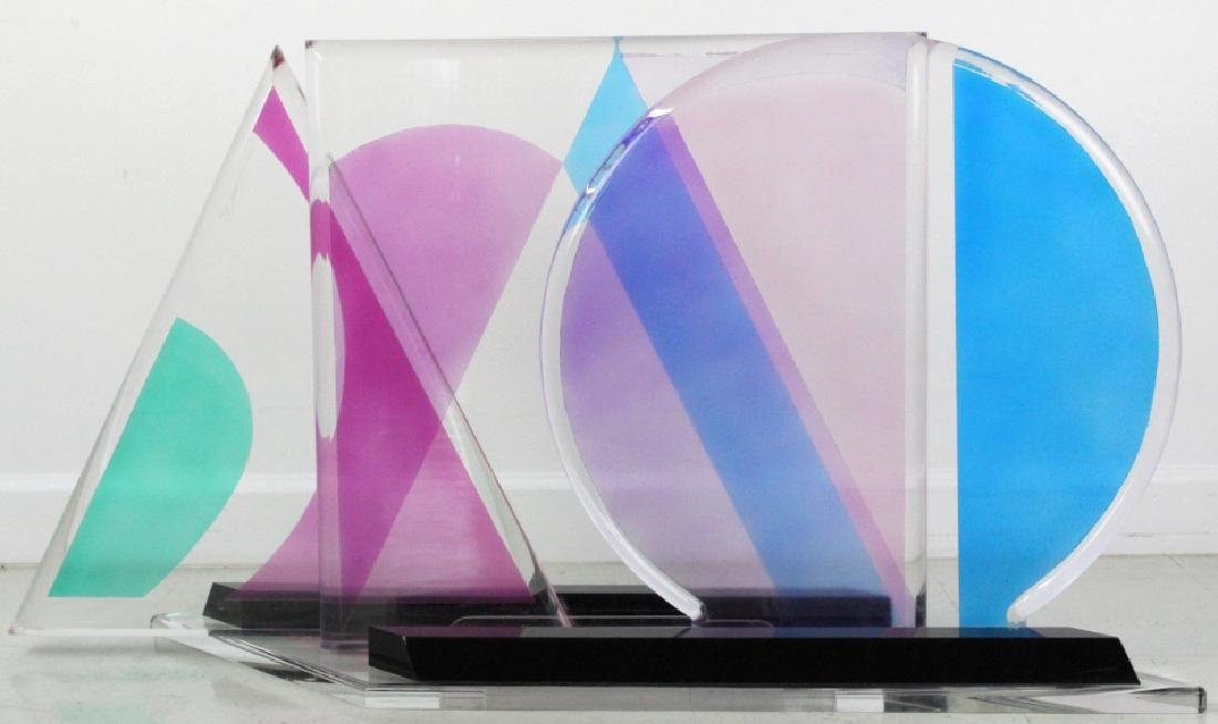 Modern Geometric Colored Lucite Art Sculpture 80's - 4