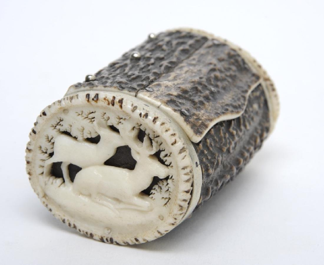 Amazing Carved Stag Horn Antler Snuff Tobacco Box