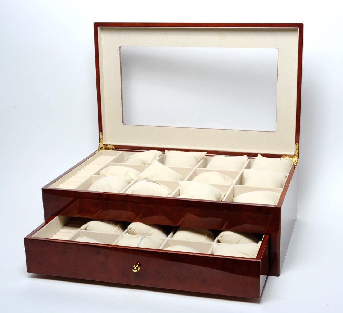 Gentlemen's Large Lacquered Mens Watch Jewelry Box