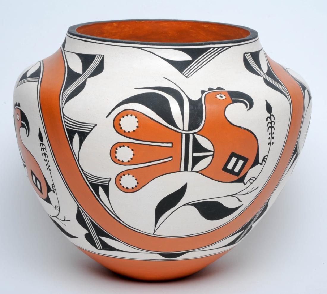 Rachel Aragon Native American Acoma Pottery Vase