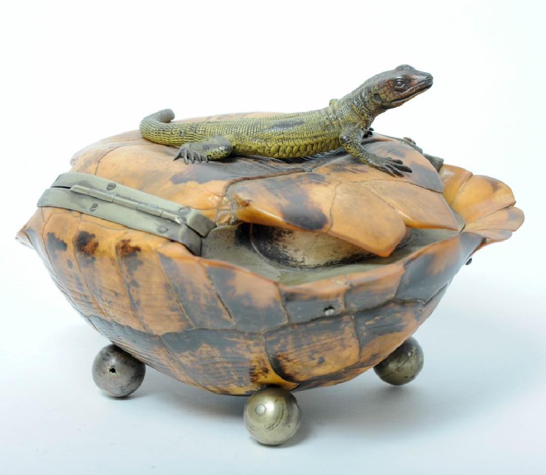 FINE Antique Tortoise Shell Box w/ Bronze Lizard